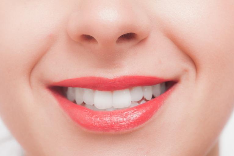 インプラントで自分の歯のような咬み心地を取り戻しませんか